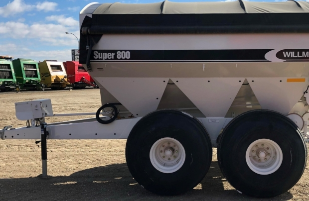 2018 Willmar Super800 Fertilizer Spreader