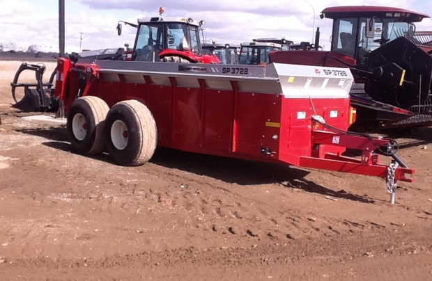 2017 Massey Ferguson SP 3728  Manure Spreader