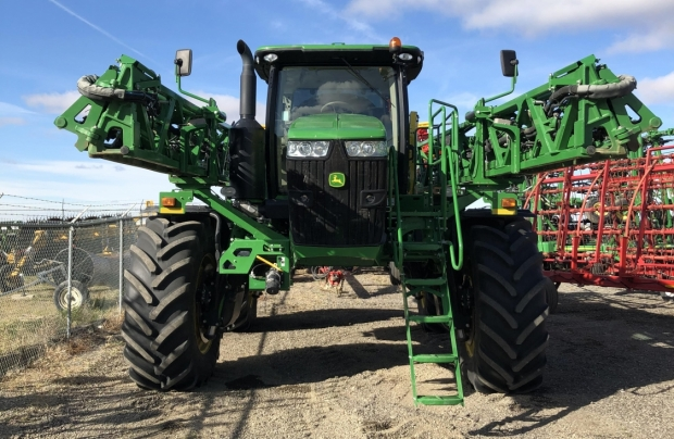 2015 John Deere R4045 120' Sprayer