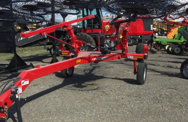2017 Massey Ferguson 1512 Superwheel V Rake