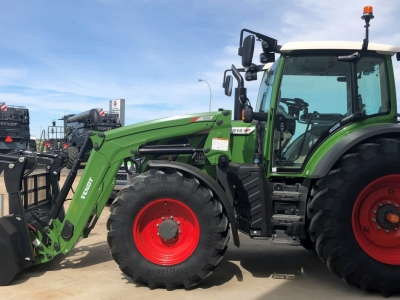 2021 Fendt 514 FWA Tractor with FEL and Grapple