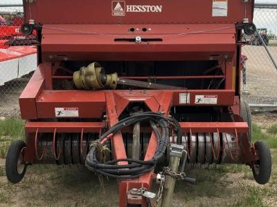 2003 Hesston 814 Soft Core Round Baler