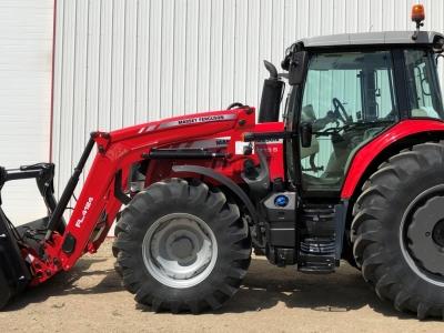 2018 Massey Ferguson 6715S Tractor