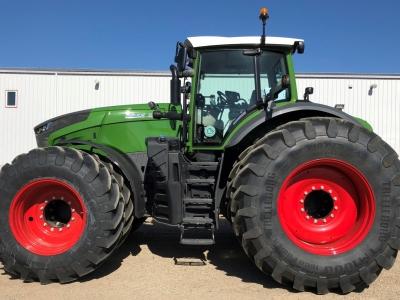 2019 Fendt 1038 Vario Tractor