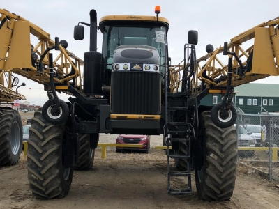 2018 RoGator 1300C Sprayer