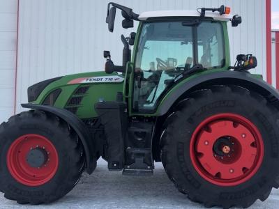 2020 Fendt 718 Vario Tractor