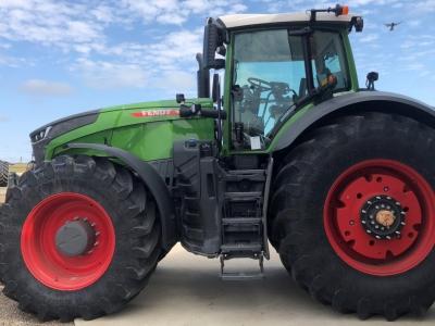 2021 Fendt 1050 Vario Profi Plus Tractor