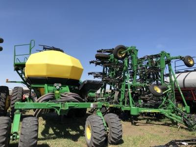 2013 John Deere 1870 56\' Drill With 1910H TBH Air Cart