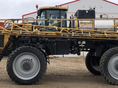 2021 RoGator 1300 C Series Sprayer