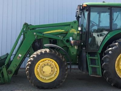 2008 John Deere 7330 FWA Tractor with 741 FEL